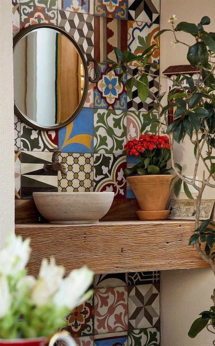 carrelage-patchwork-meuble-sous-vasque-en-bois-tout-simple