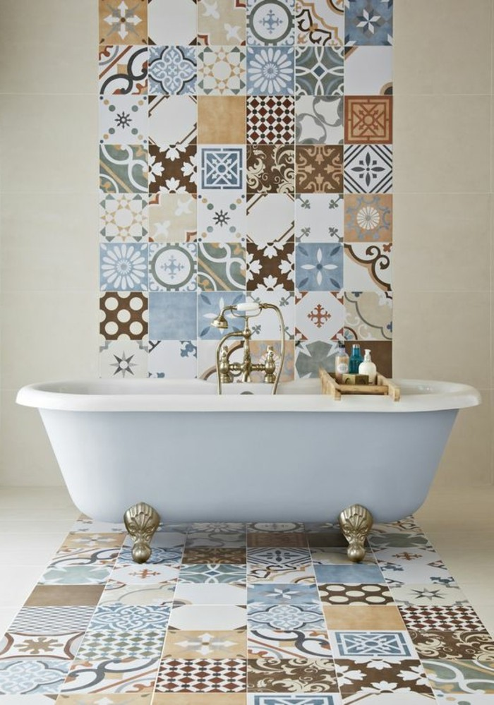 carrelage-patchwork-salle-de-bain-design-epure-baignoire-sabot