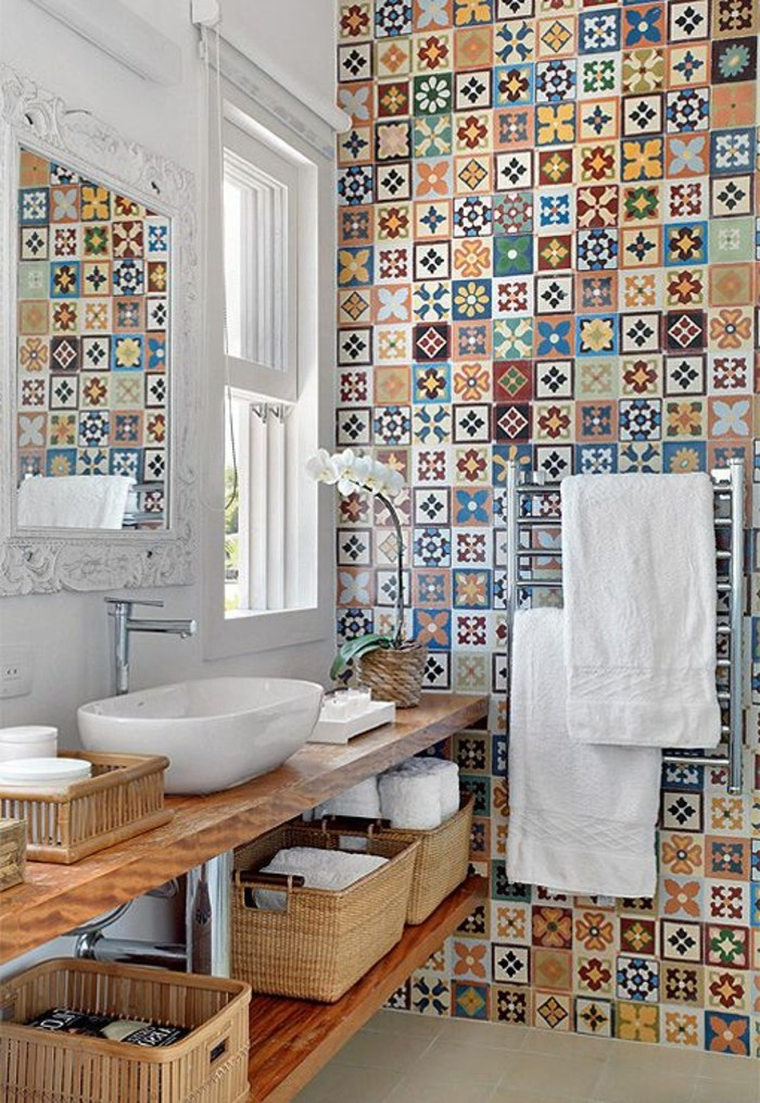 Comment adopter le carrelage patchwork son int rieur for Salle de bain petit carreaux