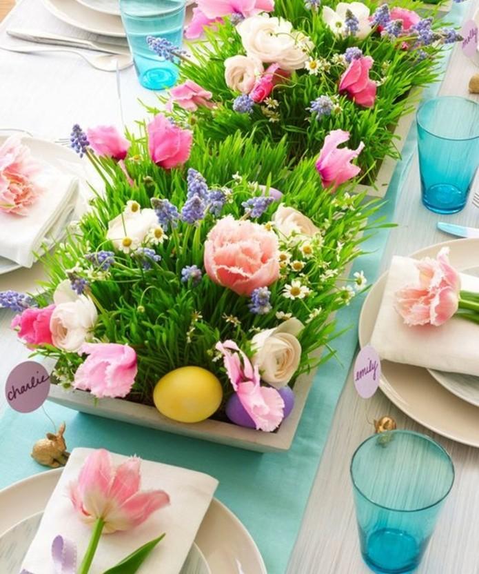 centre-de-table-long-et-fleuri-joli-bacs-a-fleurs-deco-table-personnalisee
