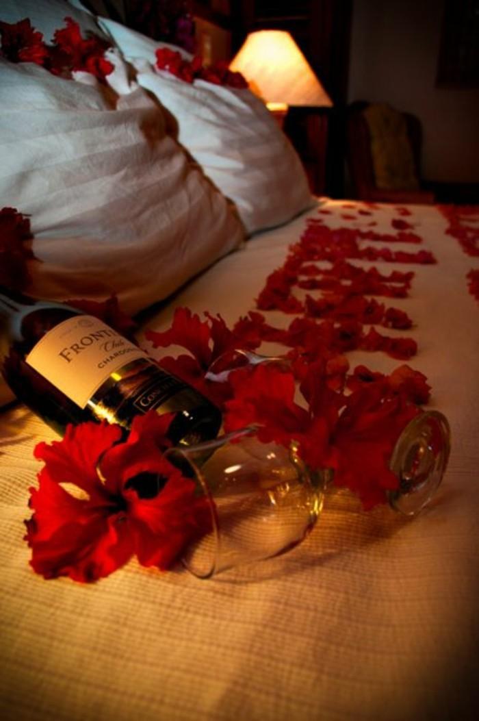 chambre-belle-deco-table-idee-repas-romantique-a-la-maison