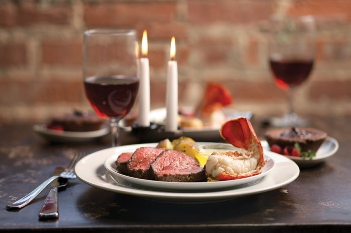 chouette-idee-repas-romantique-simple-repas-de-st-valentin-chandelles