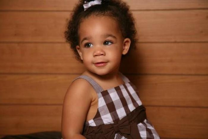 coiffure-bebe-fille-tres-sympa-superbe-suggestion-pour-petites-filles
