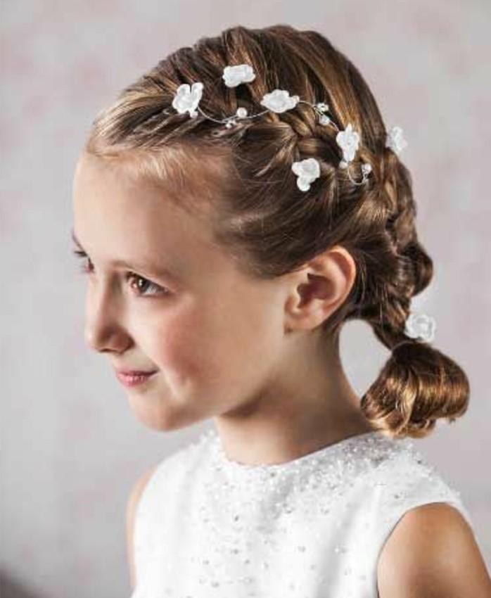 coiffure-natte-suggestion-parfaite-pour-la-communion-de-votre-fille