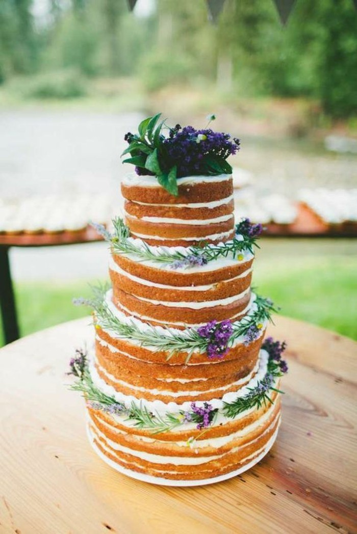 confortable-mariage-boheme-chic-idee-mariee-bouquet-gateaux