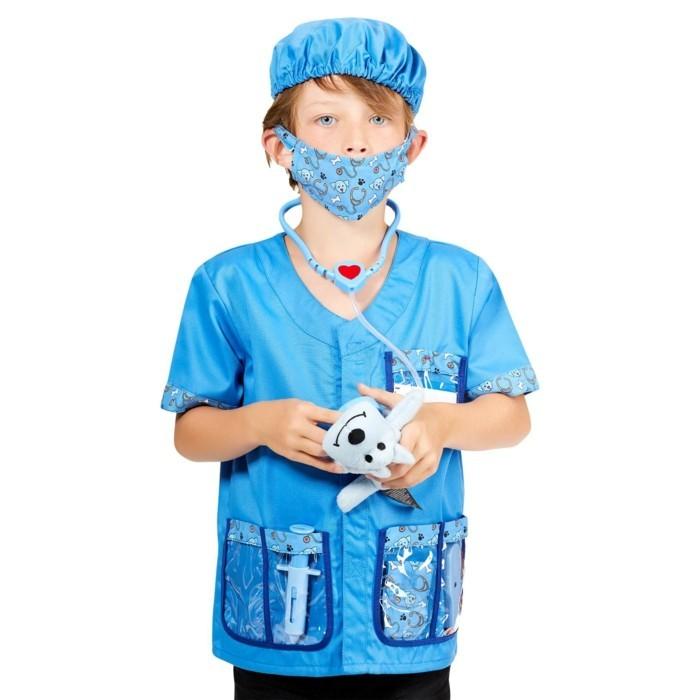 costume-enfant-kiabi-en-bleu-veterinaire-avec-petit-toutou-resized