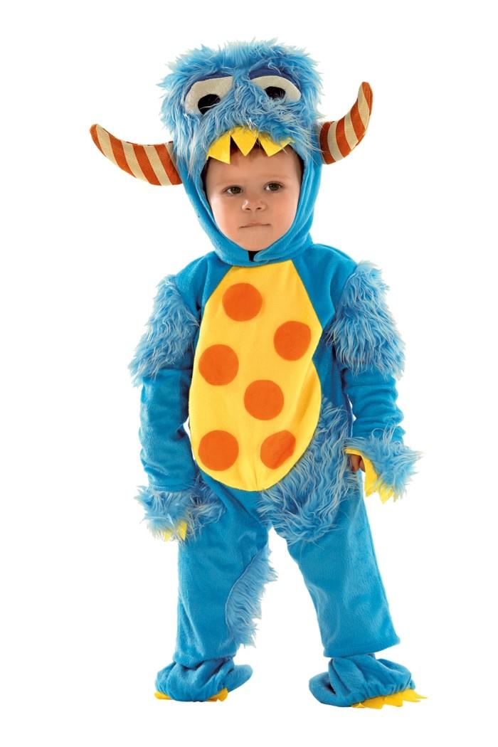 costume-enfant-Rue-de-la-fete-avec-la-tete-tres-drole