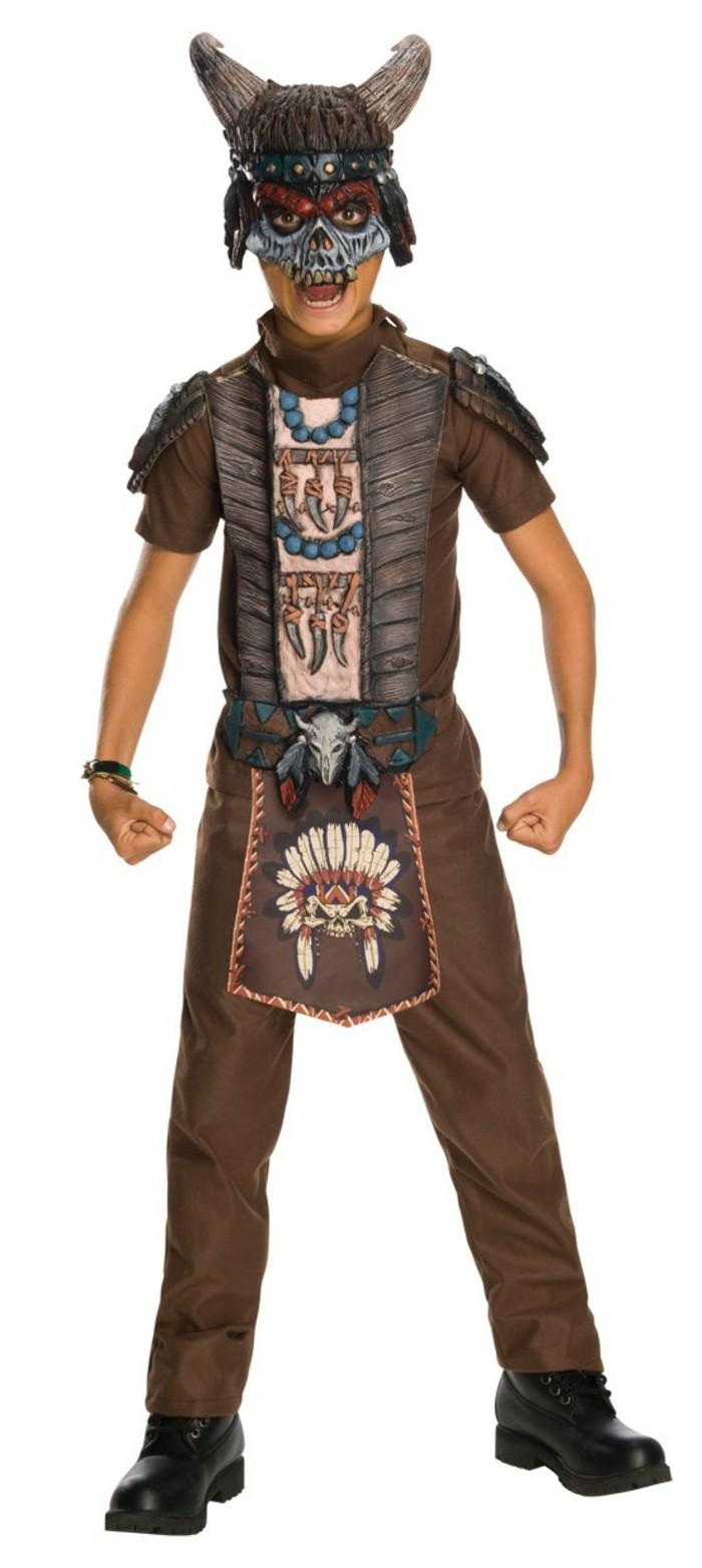 costume-enfant-avec-des-cornes-rue-de-la-fete-resized