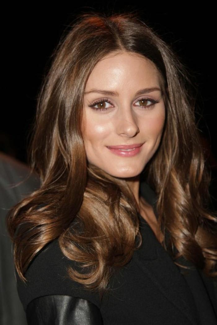 couleur-de-cheveux-marron-glace-chatain-fonce-idee-couleur-coupe-de-cheveux