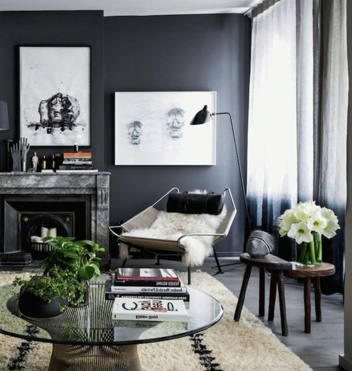 couleur-peinture-salon-gris-anthracite-et-elements-deco-en-blanc-un-decor-plus-rigide-deco-salon-gris-magnifique