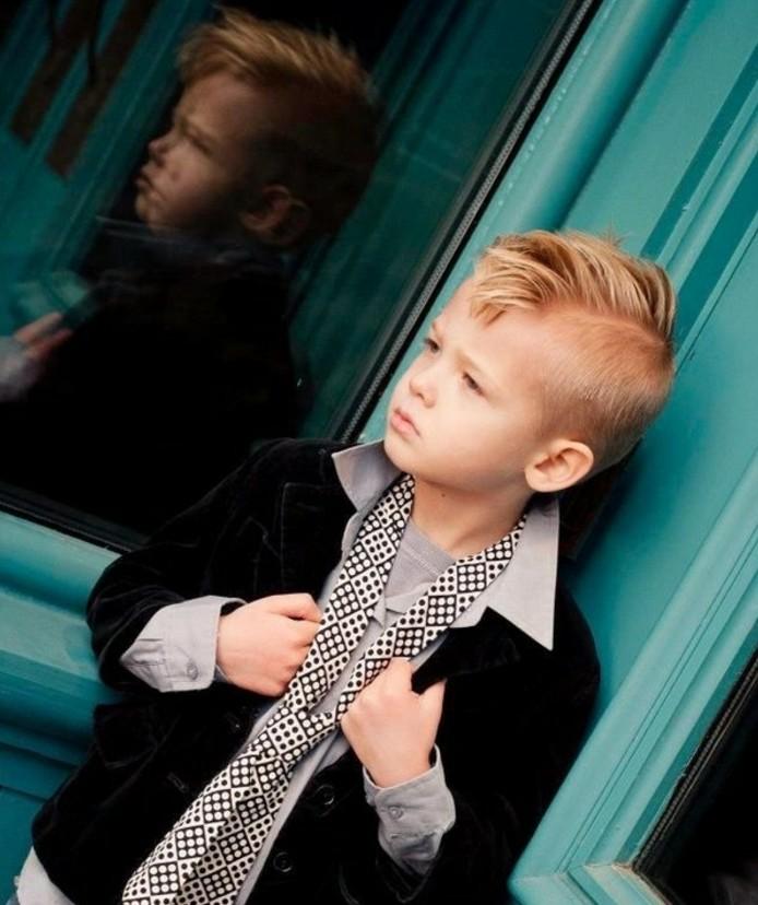 coupe-garcon-undercut-jolie-suggestion-de-coiffure-tres-tendance