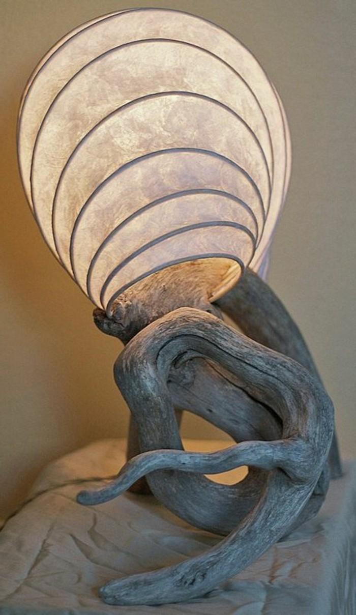 creation-en-bois-flotte-artistique-lampe-figure