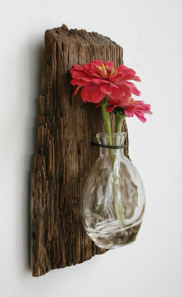 creation-en-bois-flotte-fleur-rouge-mur-vase