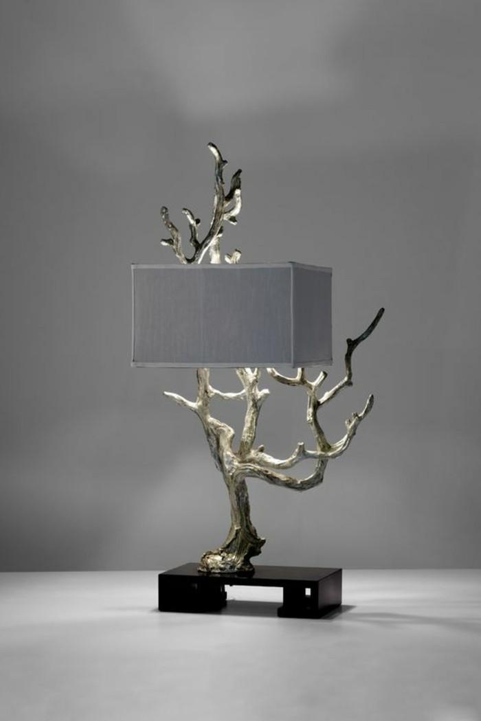 creation-en-bois-flotte-lampe-extraordinaire-mur-en-gris