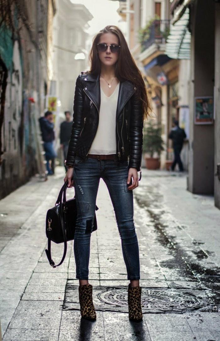 cuir-veste-perfecto-pour-femme-tendance-une-idee-street-style