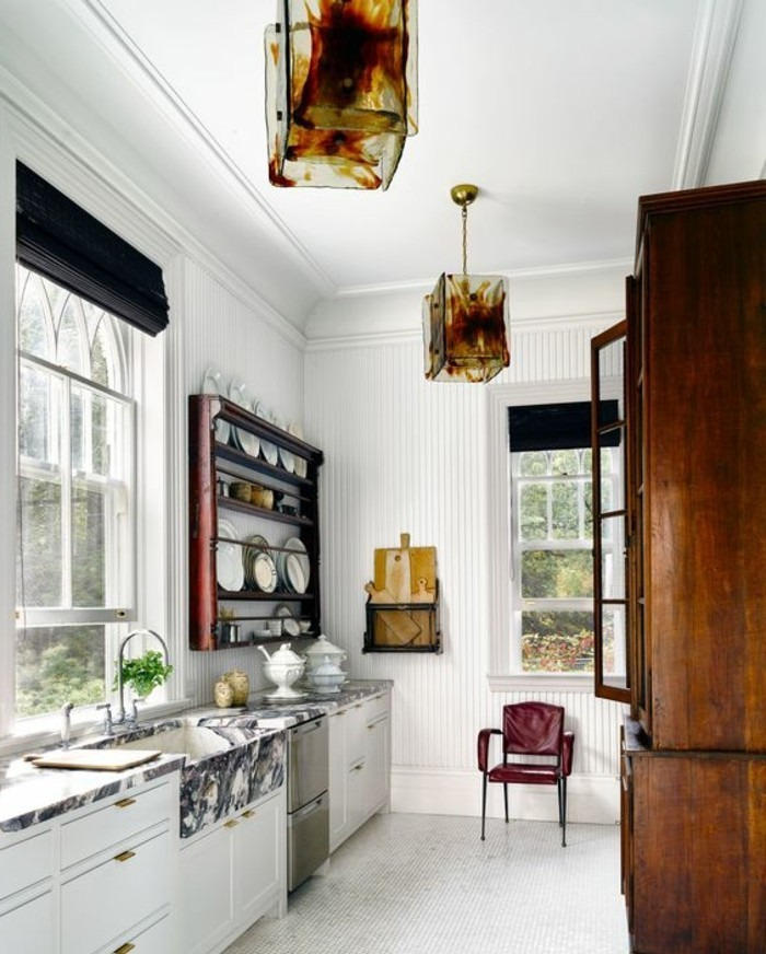 cuisine-equipee-blanc-meubles-fenetre-rectangulaire