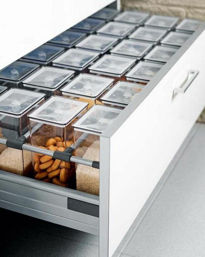 cuisine-equipee-buffet-ingredients-vlanc-armoire