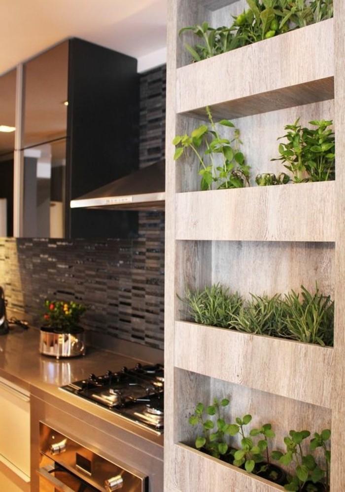 cuisine-equipee-placard-pour-des-fleurs-en-bois