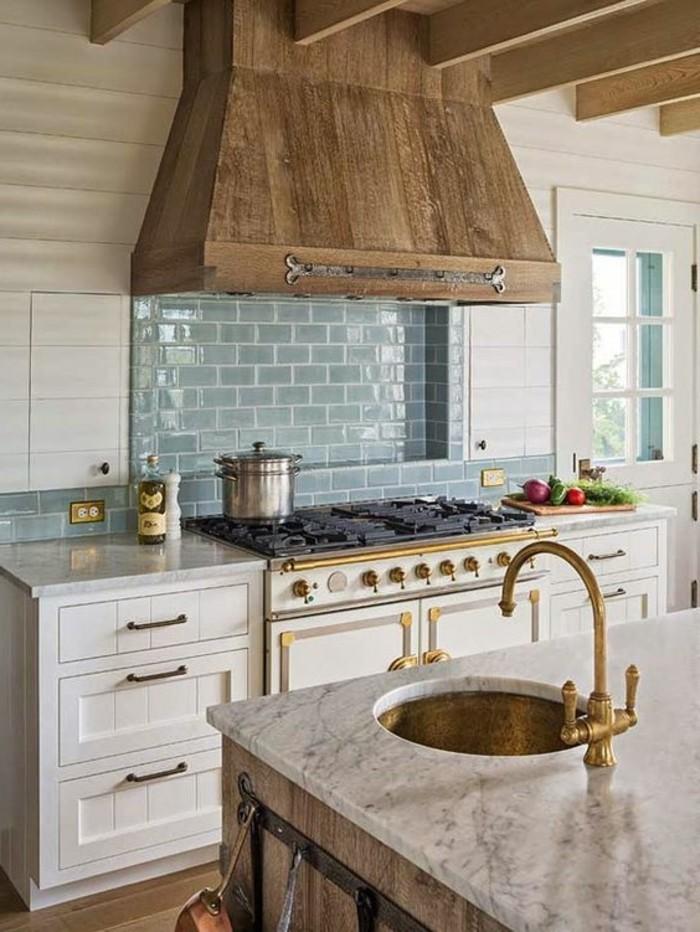 cuisine-equipee-vasque-dore-moderne-meubles-outillage