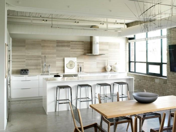 cuisine-industrielle-plongee-dans-une-ambiance-zen-deco-industrielle-couleurs-claires-et-bois-mur-en-briques-beige-meuble-cuisine-et-ilot-cuisine-blancs