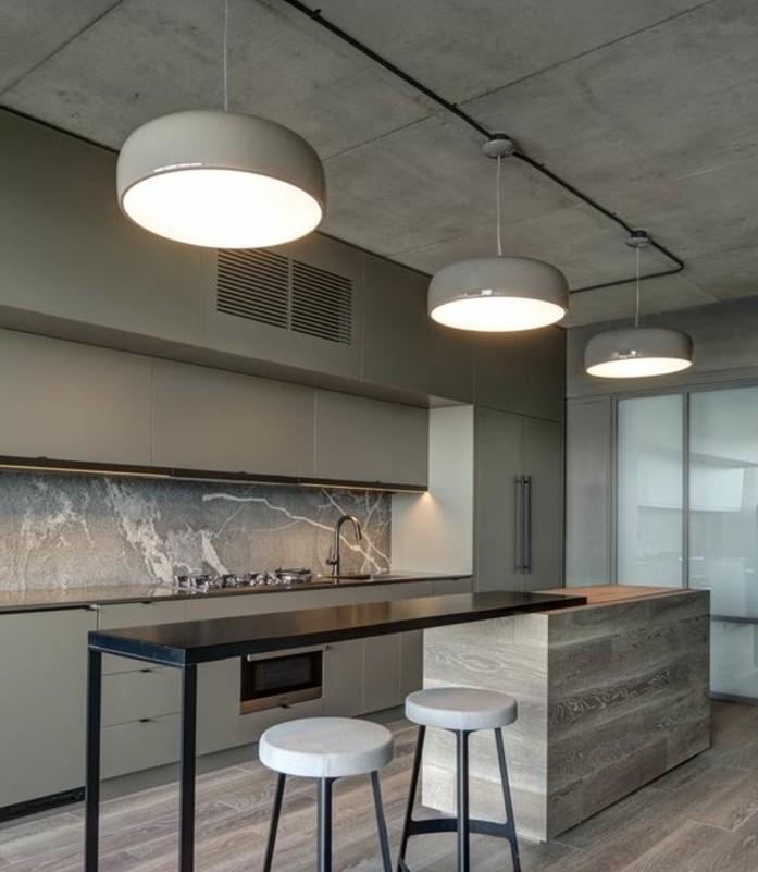 cuisine-ultra-moderne-modele-cuisine-industrielle-meuble-cuisine-couleur-gris-taupe-et-ilot-design-contemporain
