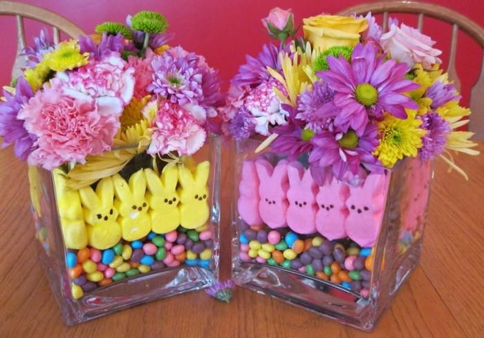 cuves-en-verre-remplie-de-bonbons-et-de-fleurs-de-printemps-idee-deco-paques-tres-jolie