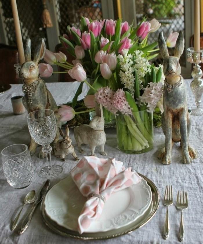 decoration-de-paques-ideale-pour-votre-table-deco-compose-de-lapins-de-paques-et-de-fleurs