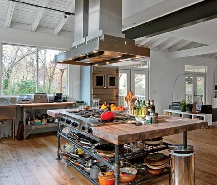 deco-industrielle-unique-pour-une-cuisine-qui-parait-desordonnee-ilot-cuisine-indusriel-en-bois-avec-espace-de-rangement-pour-la-vaisselle-aspirateir-industriel
