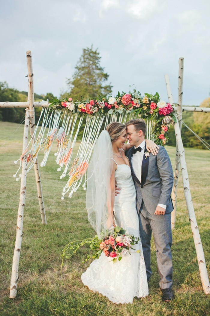 Ruffled - photo by Teale Photography http://ruffledblog.com/colorful-boho-wedding-at-historic-cedarwood