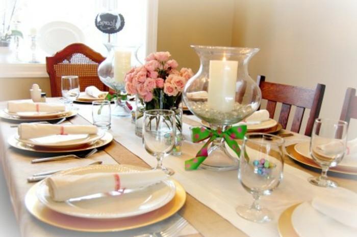 deco-paques-sobre-et-elegante-pour-votre-table-joli-bouquet-de-roses-et-vaiselle-exquise