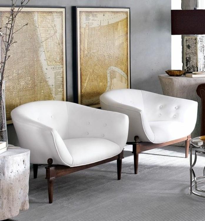deco-salon-gris-fauteuils-blancs-et-gris-tableau-d-art-moderne-ambiance-cosy-et-artistique