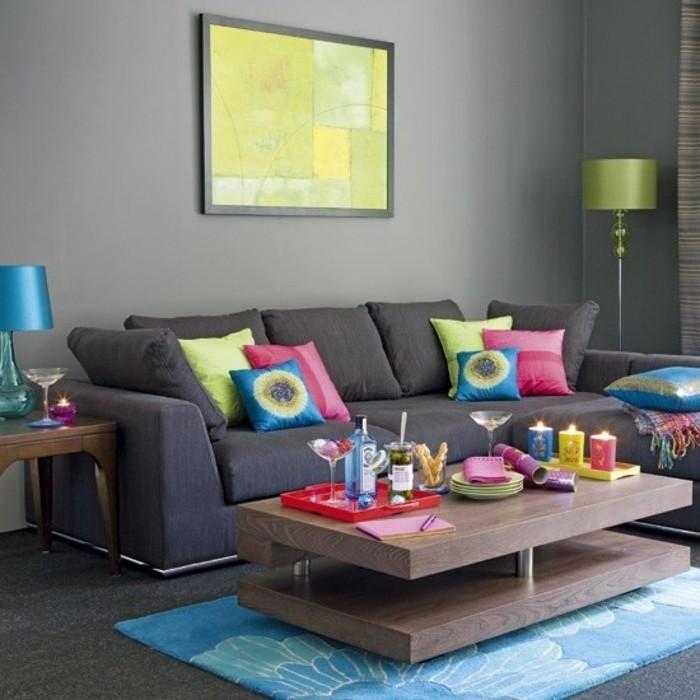 deco-salon-moderne-couleur-peinture-salon-gris-canape-gris-et-motifs-multicolores