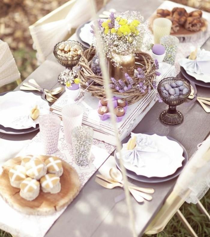 deco-table-paques-surchargee-d-elements-decoratifs-ambiance-tres-elegante-deco-trop-stylee