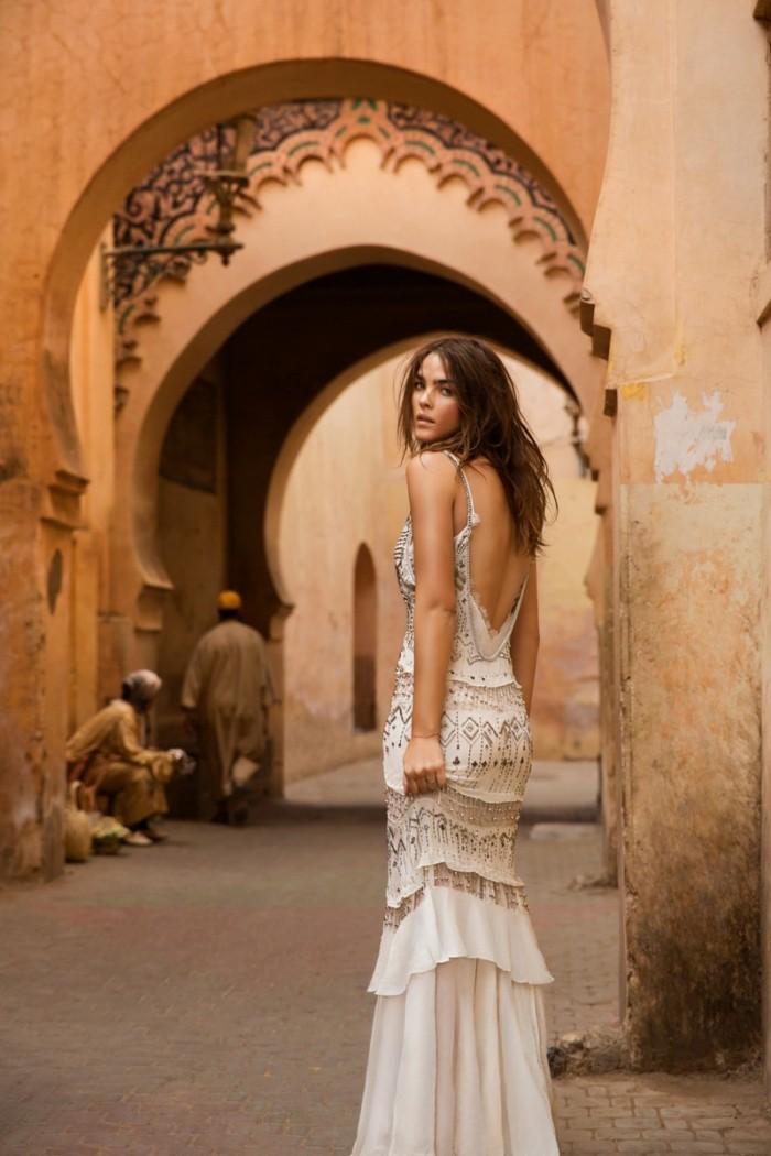 dress-robe-de-mariee-boheme-chic-habillee-au-maroc