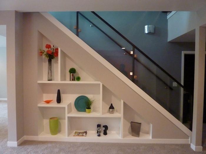 Etagere Escalier Sous Les Marches La Place 44 Idees