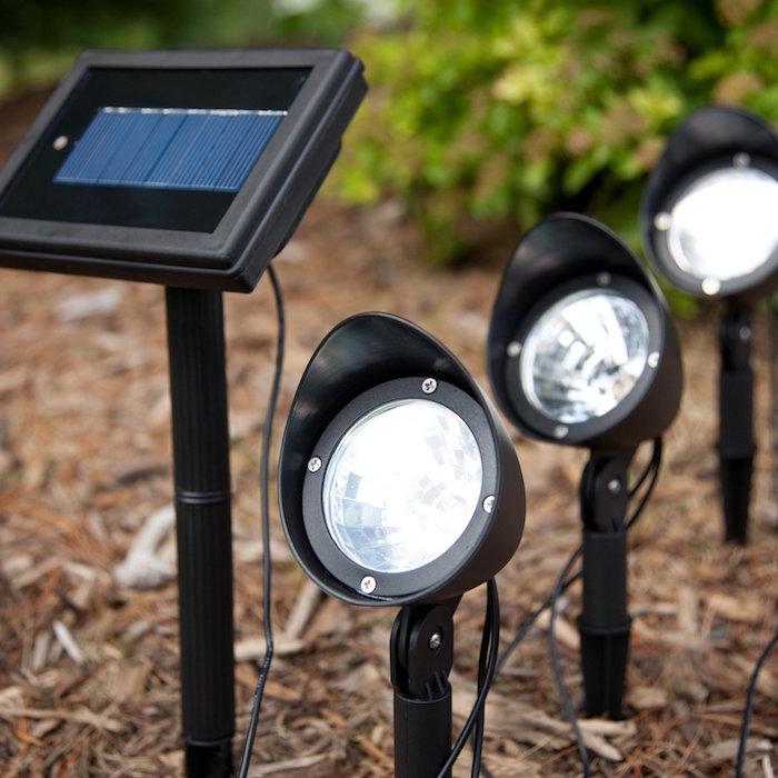 eclairage-exterieur-borne-solaire-spot-applique