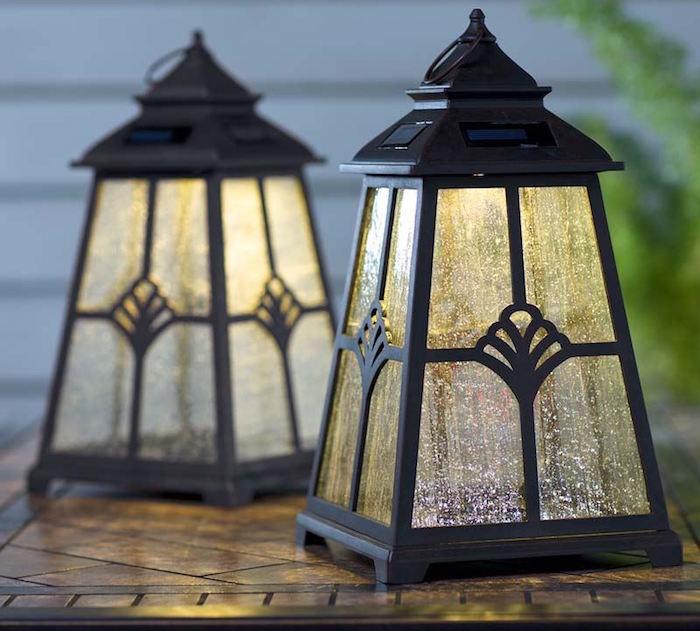 eclairage-exterieur-lanterne-solaire-jardin