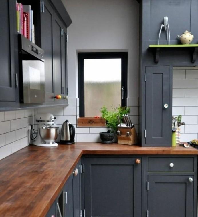 Cuisine gris anthracite 56 id es pour une cuisine chic - Cuisine grise plan de travail bois ...