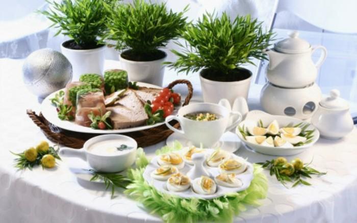 décoration-de-pâques-charmante-table-en-blanc-et-vert