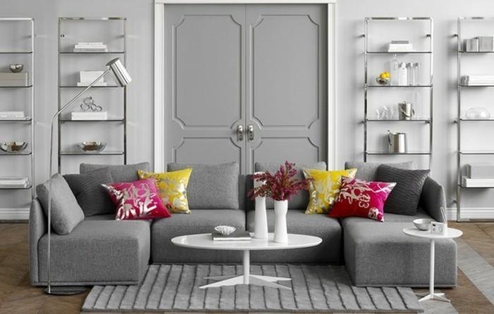 excellente-suggestion-salon-gris-et-blanc-tres-elegant-peinture-murale-blanche-canape-et-tapis-gris-quelques-touches-de-couleur-qui-rompent-l-austerite