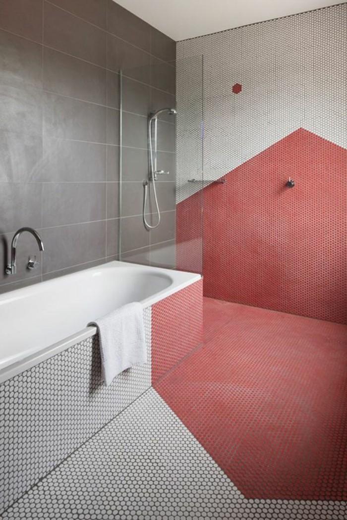 carrelage-effet-béton-salle-de-bain-bicolore-rouge-et-gris