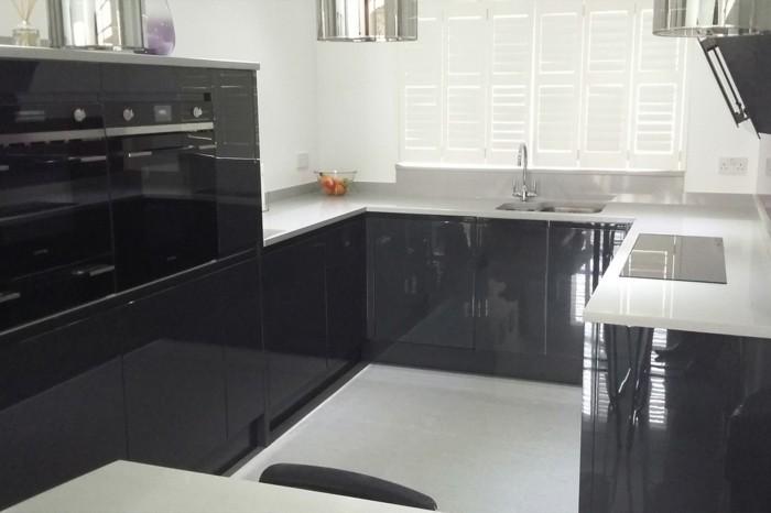 Cuisine gris anthracite 56 id es pour une cuisine chic for Peinture plan de travail cuisine
