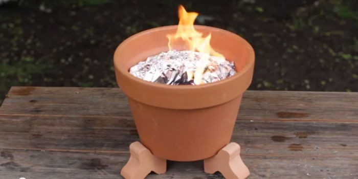 faire-barbecue-pas-cher-pot-fleurs-terra-cotta