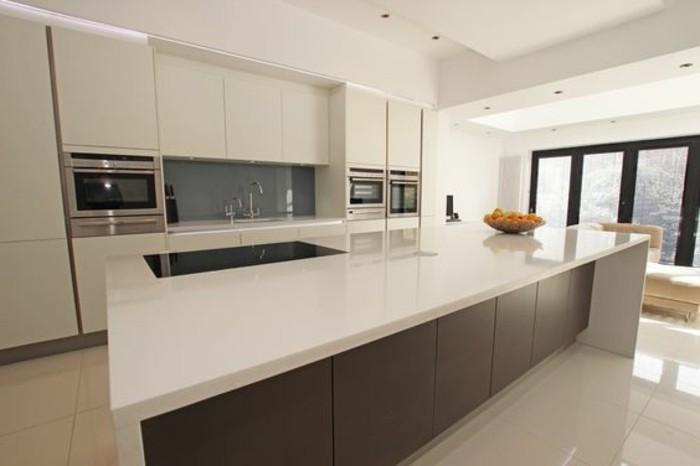 formidable-cuisine-blanche-et-grise-ilot-de-cuisine-gris-anthracite-decor-blanc