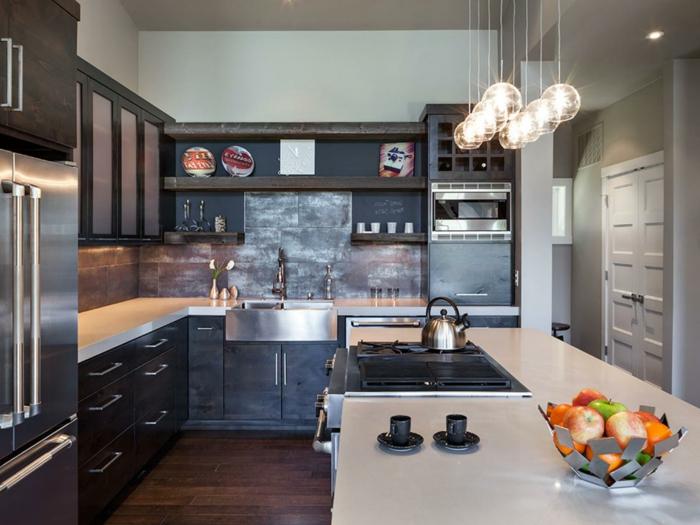 formidable-cuisine-industrielle-credence-grise-meuble-industrielles-pour-votre-cuisine-meuble-couleur-gris-anthracite-suspensions-mignonnes