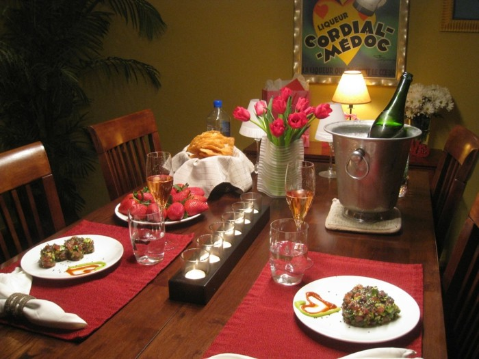 formidable-idee-diner-romantique-repas-saint-valentin-table-decoree