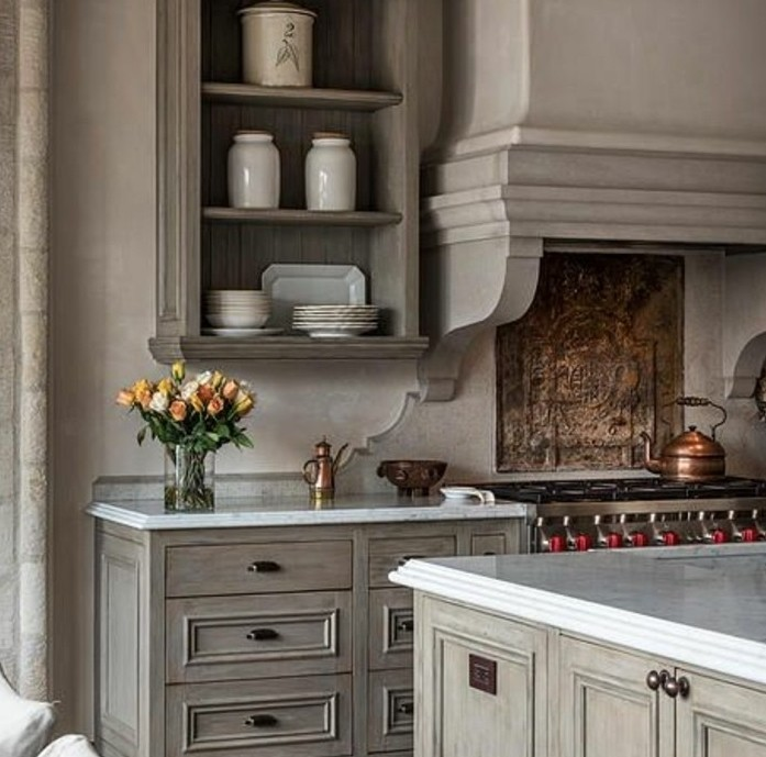formidable-modele-cuisine-joliment-amenagee-idee-magnifique-comment-repeindre-sa-cuisine-en-taupe-ambiance-vintage-rustique