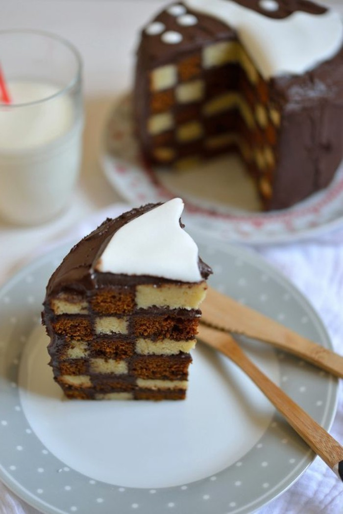 gateau-damier-delice-en-noir-et-blanc-gateau-chocolat-et-vanille