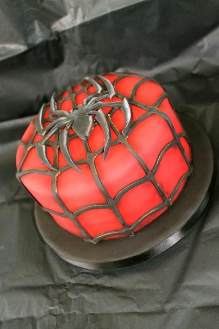 gateau-spiderman-accents-au-chocolat-gateau-anniversaire