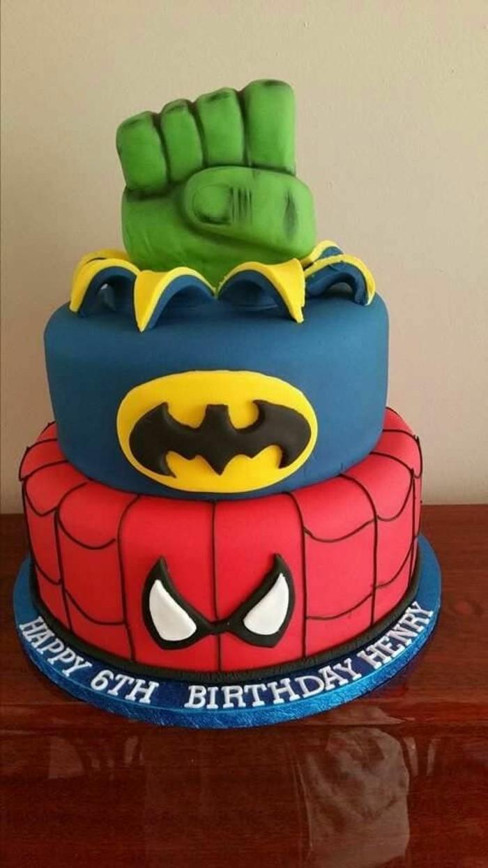 gateau-spiderman-batman-et-hulk-gateaux-originaux